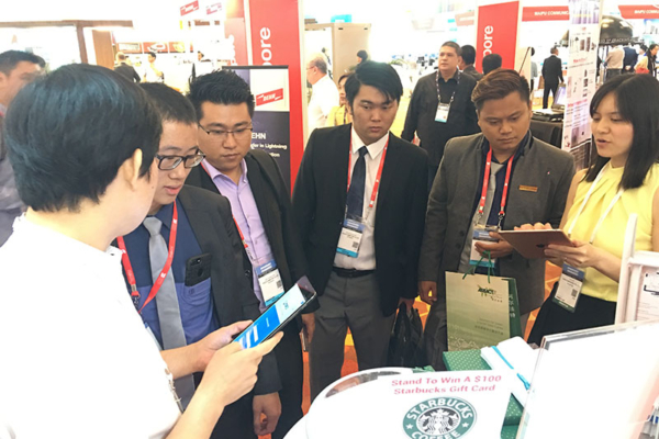 Showcasing Smart e-Form to visitors